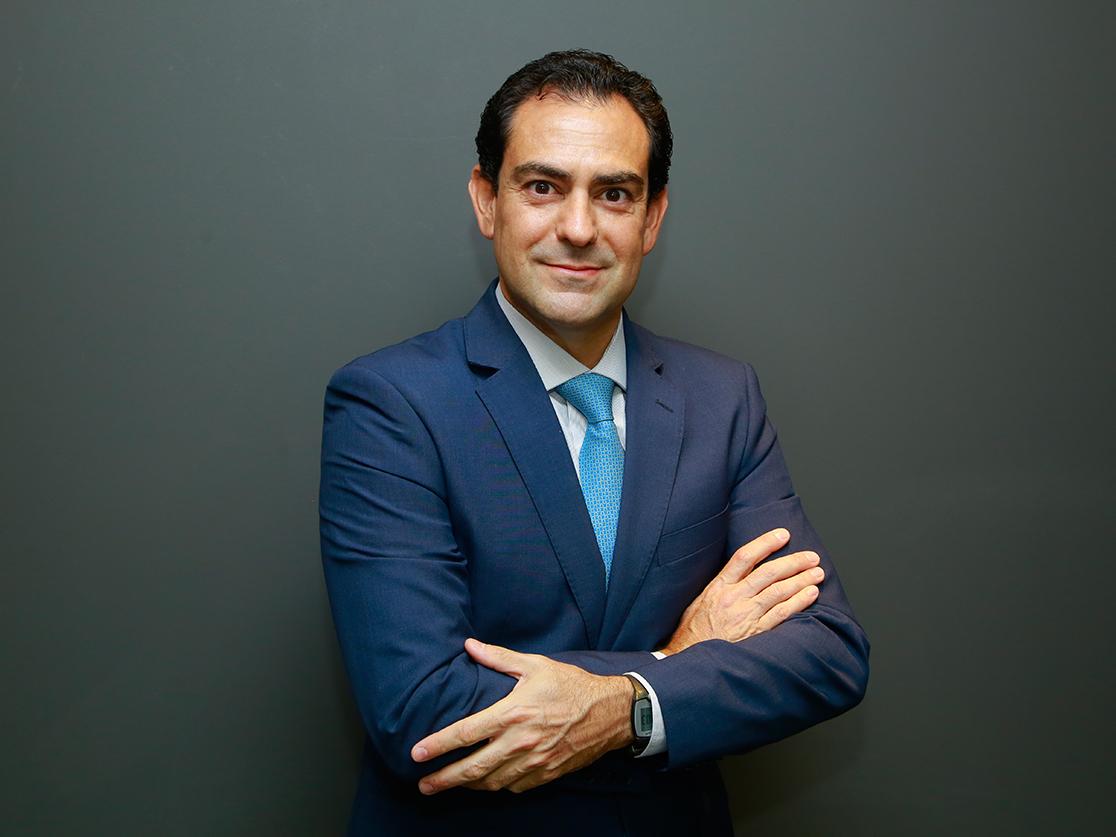 Carlos Eduardo Peres Ferrari é advogado especialista em Mercado de Capitais e sócio fundador do Negrão, Ferrari & Bumlai Chodraui Advogados – NFBC.