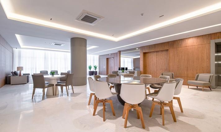 Empreendimento altíssimo padrão que possui varanda com mais de 30m e apartamentos de 300m² é entregue em Curitiba